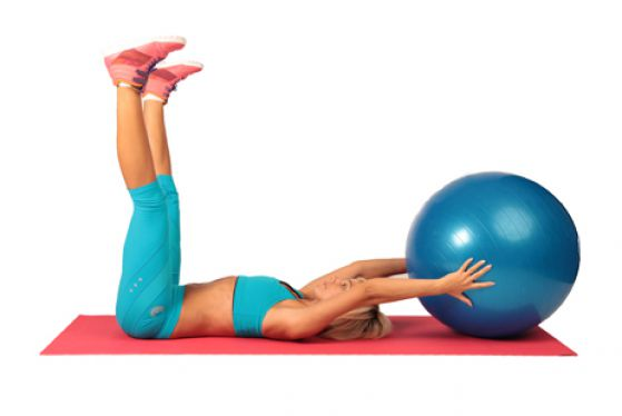 Упражнения для похудения на фитболе