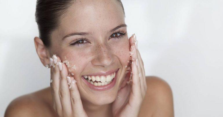 Пилинг для увядающей кожи лица