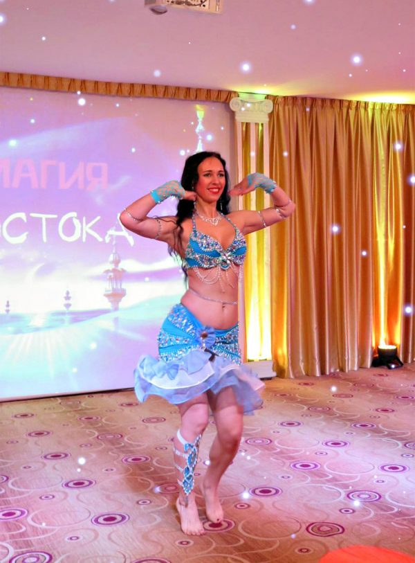 Как научиться танцевать танец живота
