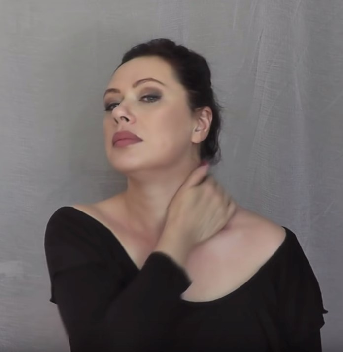 Омолаживающий скульптурный массаж лица