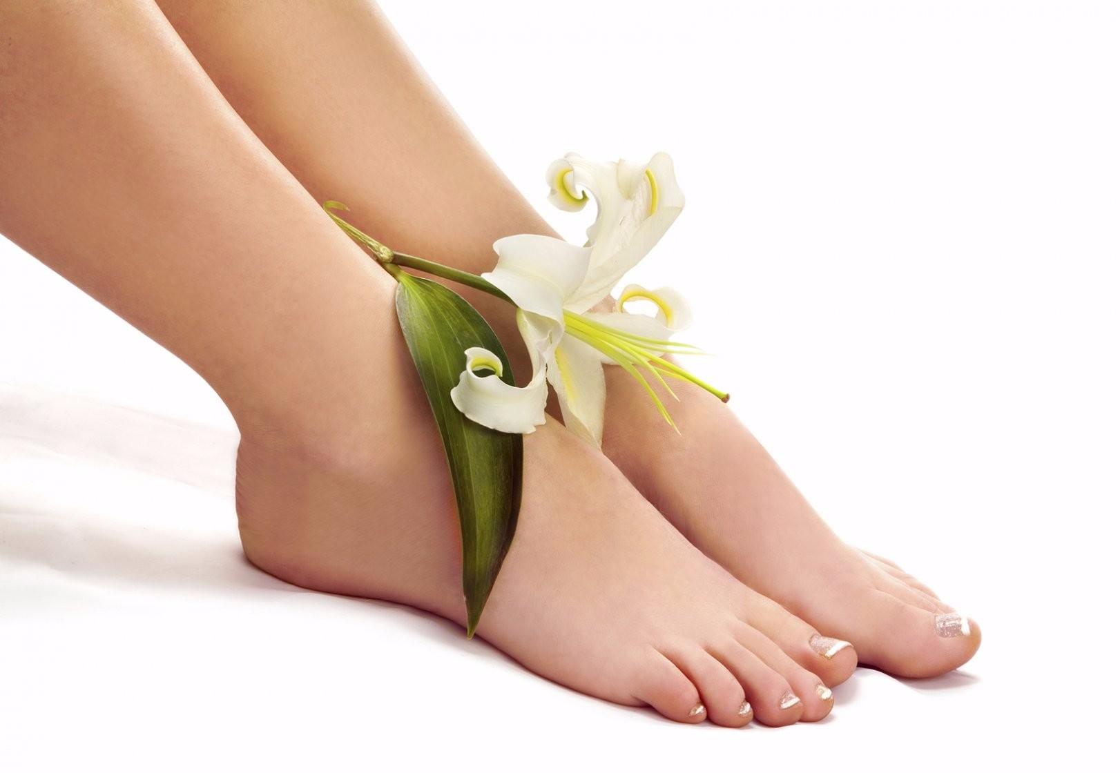 Почему образуются шишки на ногах