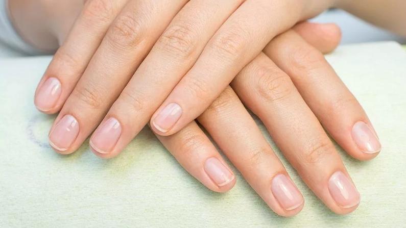 Слоятся и ломаются ногти причины, домашние процедуры и укрепление ногтей